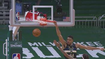NBA, 31 punti di Antetokounmpo contro Dallas