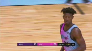 NBA, i 30 punti di Jimmy Butler contro Sacramento
