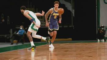 NBA, l'assist pazzesco di Jayson Tatum contro i Lakers