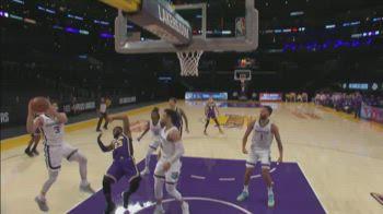 LeBron James: il flop contro Memphis segnalato dalla NBA