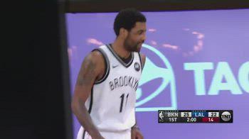 NBA, LeBron sbaglia il libero, Irving lo prende in giro