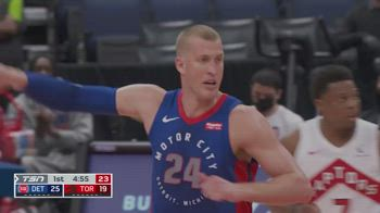 NBA, tripla doppia di Mason Plumlee vs. Toronto