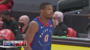 NBA, tripla doppia di Dennis Smith vs. Toronto