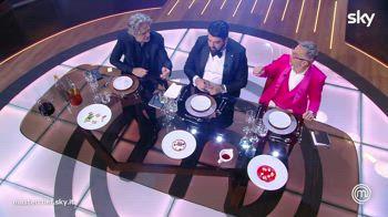 Finale MasterChef: I giudizi sul riso del finalista Antonio