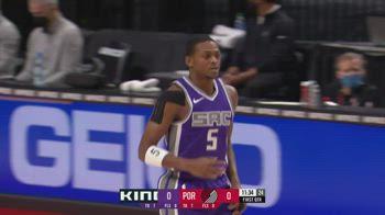NBA, i 32 punti di De'Aaron Fox contro Portland