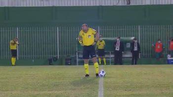 arbitro-brasile-pipi-in-campo