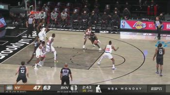 NBA, magia di Kyrie Irving vs. New York