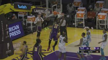 NBA, i 37 punti di LeBron James contro Charlotte