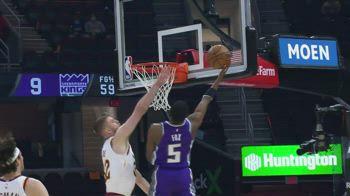 NBA, 30 punti per De'Aaron Fox contro Cleveland