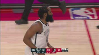 NBA, i 17 assist di James Harden contro Portland