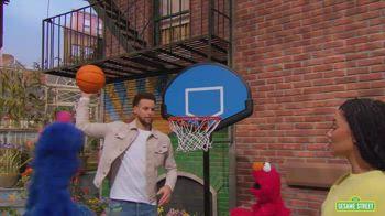 NBA, Steph Curry ospite ai Muppets