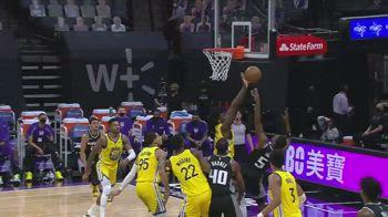 NBA, i 44 punti di De'Aaron Fox contro Golden State