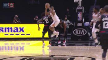 NBA, gomitata a Chris Paul: Beverley espulso