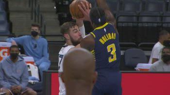 NBA, i 34 punti di Jonas Valanciunas contro Indiana