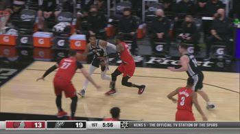 NBA, tripla doppia per Dejounte Murray contro Portland