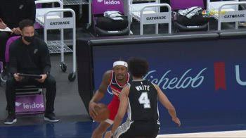 NBA, i 45 punti di Bradley Beal contro San Antonio