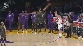 NBA, la stoppata decisiva di Anthony Davis contro Denver