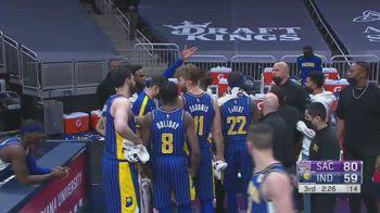 NBA, scontro furioso in panchina tra Bitadze e l'assistente