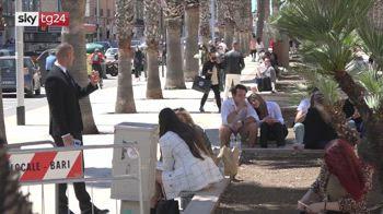 Bari, il Comune concede i tavolini in strada