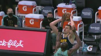 NBA, 30 punti per Nikola Jokic contro Charlotte