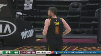NBA, 30 punti di Kevin Love contro Boston