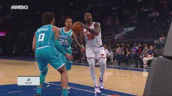 NBA, tripla doppia per Julius Randle contro Charlotte