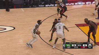 NBA, i 12 assist di Jrue Holiday in gara-3 contro Miami