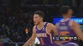 NBA, 47 punti di Devin Booker in gara-6 contro i Lakers