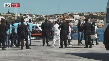 Migranti, decine di sbarchi a Lampedusa