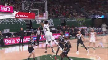 NBA, 34 punti per Giannis Antetokounmpo in gara-4 vs Nets