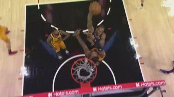 NBA, schiacciata pazzesca di Kawhi Leonard contro Favors