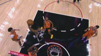 NBA, la schiacciata di Paul George in gara-3 vs. Suns