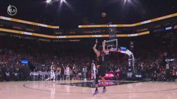 NBA, 31 punti di Booker vs. Clippers in gara-5