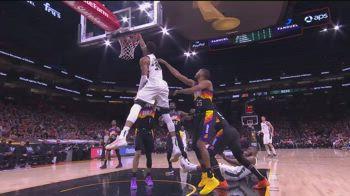 NBA, i 42 punti di Antetokounmpo contro i Suns in gara-2
