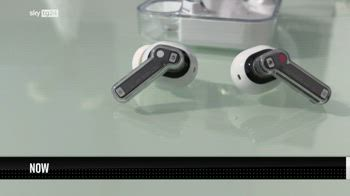 ++NOW Nothing Ear (1), cuffie wireless dal design trasparente