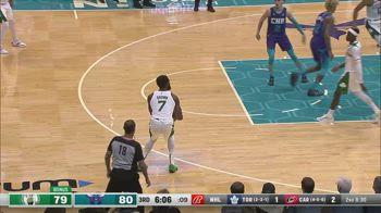 NBA, i 30 punti di Jaylen Brown contro Charlotte