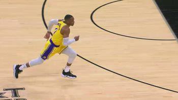 NBA, i 33 punti di Russell Westbrook contro gli Spurs